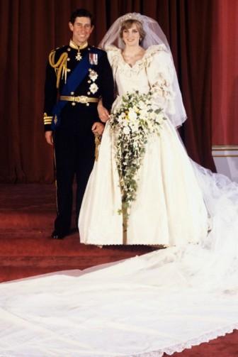princess_diana_prince_charles_weddingday_train