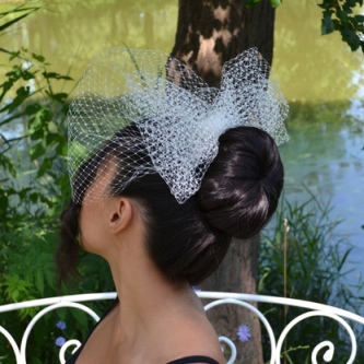 headpiece_bigbow_net_ivory_withbirdcage__74889.1381269279.451.416