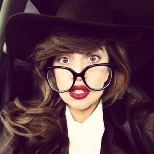 gaga_twitter_glasses