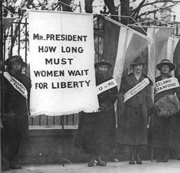 6 Suffragist Picketing(4)